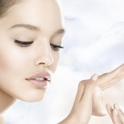 Vrei să ai pielea elastică şi frumoasă? Stimulează producţia de COLAGEN cu aceste vitamine şi minerale!